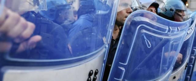 polizia manifestazione